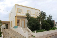 5 Bedroom Villa in Faro Beach