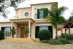 4 Bed Villa near Santa Barbara de Nexe