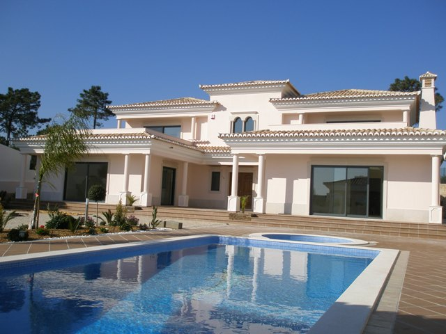 5 Bed villa in Varandas do Lago